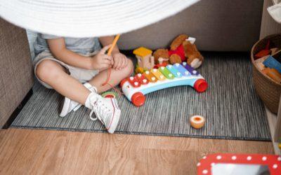 Giochi e attività facili da fare a casa con i bimbi per tenere lontana la noia
