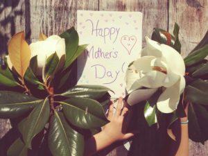 biglietto happy mother's day con fiori